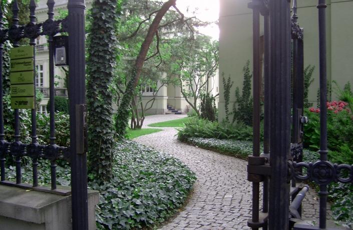 Realizacje - Ogród przy Pałacu Sobańskich - zdjęcie 3