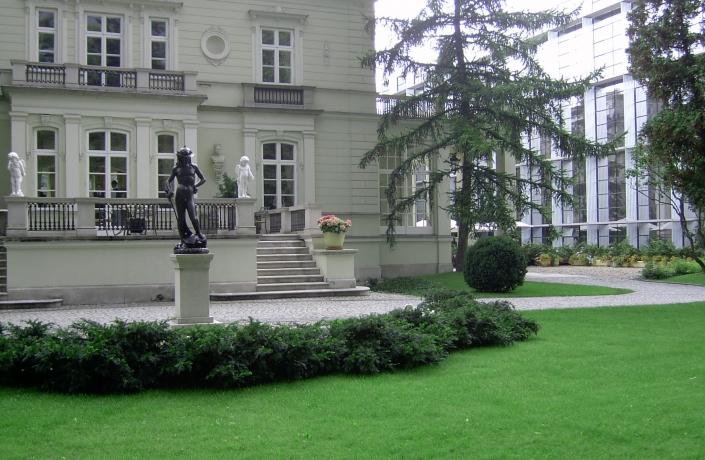 Realizacje - Ogród przy Pałacu Sobańskich - zdjęcie 7